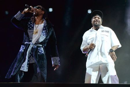 snoop-dogg-ice-cube-2016-coachella-valley-music-and-arts-festival-weekend-1-day-2