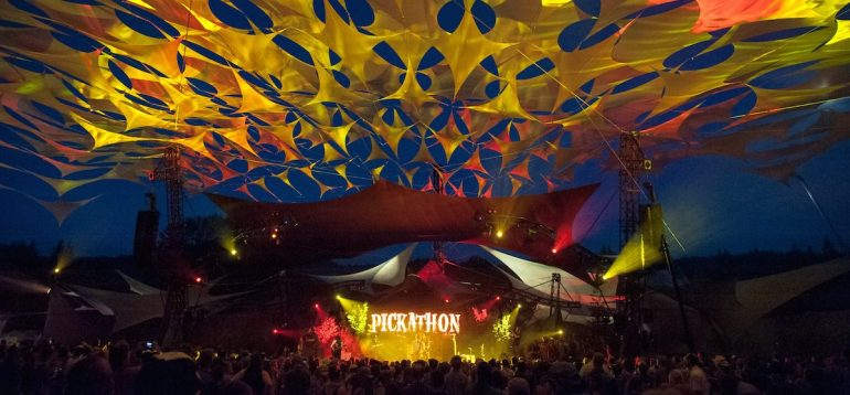 Pickathon_2017_Brud_Giles_Drive_By_Truckers_Mt._Hood_Stage-5388-1-e1507736471459